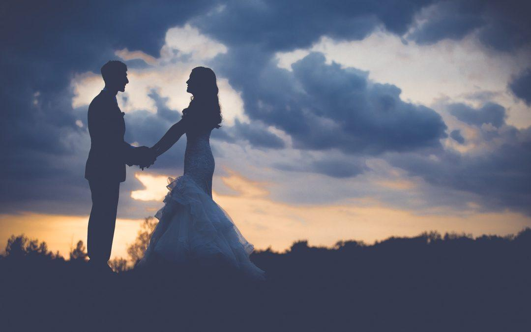 Pros and Cons of DIY Wedding Planning