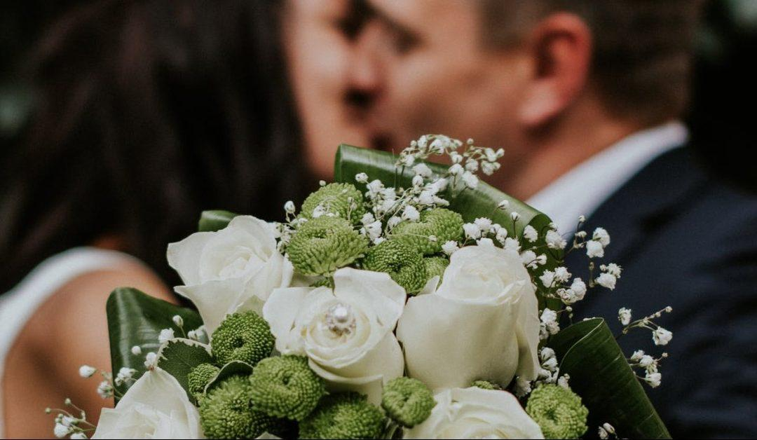 Micro Weddings Are Becoming More Popular in the Era of COVID-19