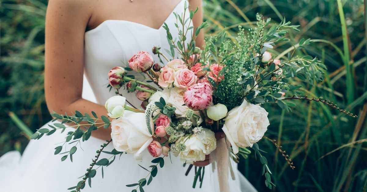 Wedding Table Centerpiece Ideas With Spring Flowers
